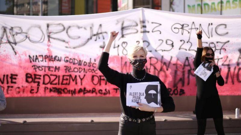 Think pink! Do Pink! Una piccola, grande vittoria per le donne polacche